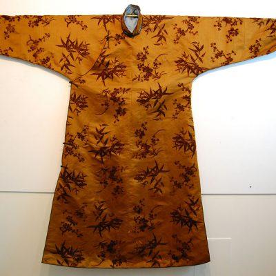 cut-velvet-robe-002